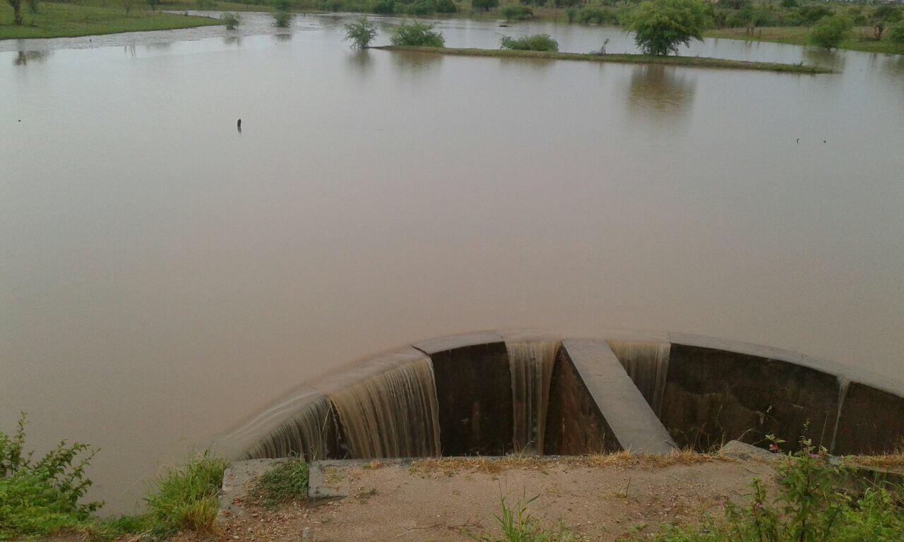 Represa no Pov. de Umburanas em Ipirá. Foto: Divulgação via WhatsApp
