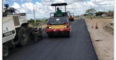Prefeitura de Serra Preta inicia obra de asfaltamento em avenida no distrito do Bravo