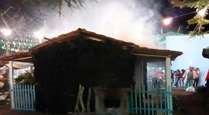 Resultado de imagem para Arraiá do Camisão tem casa de farinha incendiada em ato de vandalismo