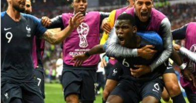 Com gol contra e uso do VAR, França vence a Croácia e é bicampeã da Copa do Mundo