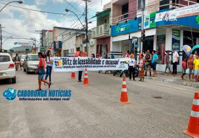 Comped realiza blitz educativa no Centro de Ipirá