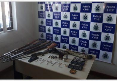 Operação conjunta efetua prisões e apreende armas e drogas em Campo Alegre de Lurdes