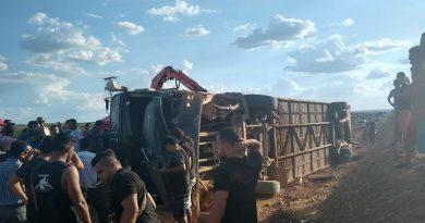 Ônibus da banda Edson Lima e Gatinha Manhosa se envolve em acidente no Piauí