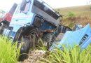 Motorista de carro morre após batida com caminhão na BR-101