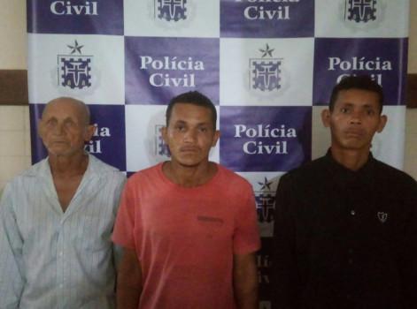Vítima era enteada de um dos suspeitos; outros dois filhos do idoso são procurados. Crime aconteceu em Catu.